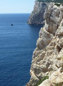 b_Cliffs-near-Grotta-di-Nettuno-225x300