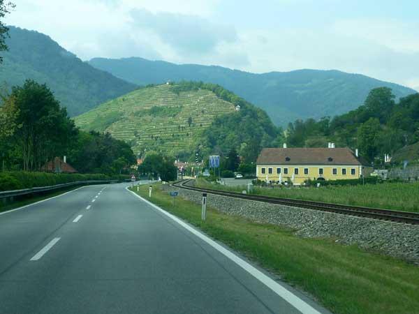 1000-Eimerberg-vineyard, Wachau, Austria