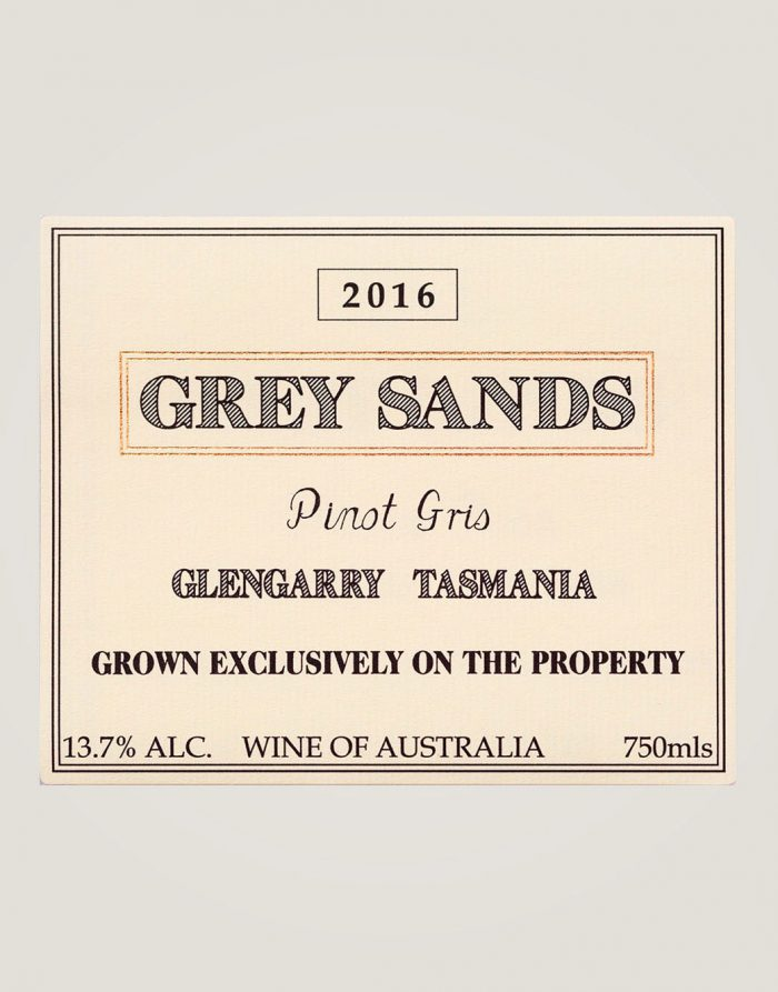 Large front label of Grey Sands 2016 Pinot Gris